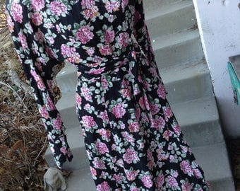 Vintage 80s boho Roberta black cabbage rose floral dress size 5/6 free  domestic shipping