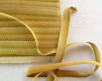 "Vin. Ombre Ribbon Shades Golden Olive to Creme Loop Edge Silk French ""5/16"" Wide"