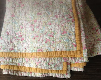 1930s English Quilt Paisley Cotton Print Wool Filled Blanket Pastels Golden Marigold Yellow