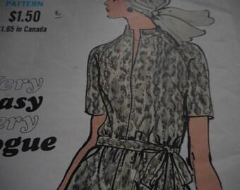 Vintage 1970's Vogue 7820 Dress Sewing Pattern, Size 12 Bust 34