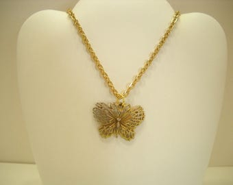 Vintage Gold Tone & Silver Tone Butterfly Pendant Necklace (7347)