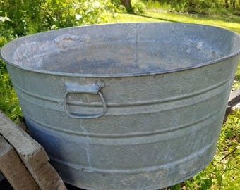 Antique Galvanized metal tub Round Metal Tub Planter Basket Farmhouse