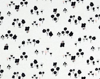 NEW Large BW flowers Baby Swaddle Blanket || Stretchy Fabric || New Baby || Extra Roomy