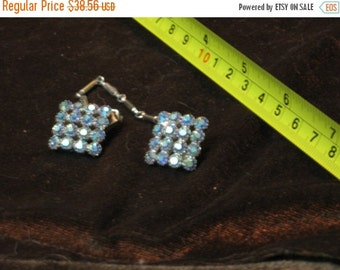 SALE Vintage Brilliant Blue Aurora Borealis Rhinestones Sweater clips guards, Cardigan holder, Collar clips, Rockabilly LVL, Mid Century Wom