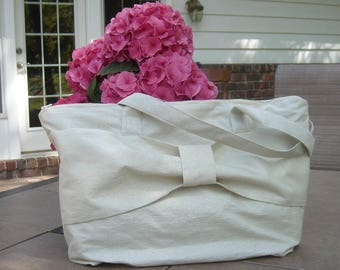 Ivory/Silver Elegant Zippered Tote Bag Purse
