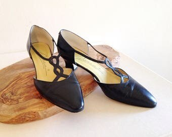 Vintage 1980s Does the 1920s Black T-Strap Maryjanes Charleston Shoes Size 7 1/2
