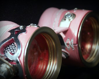Goggles in pink leather with silver mesh, silver tone metal decoration and pink lenses