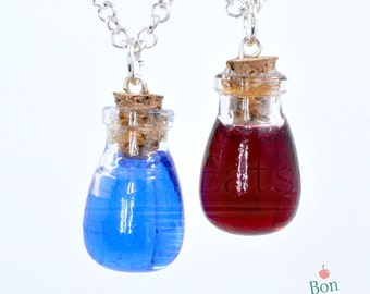 Health and Mana Potion Best Friends Necklace Set, Resin Jewelry, Best Friend Gifts, Geeky Jewelry, Miniature Glass Bottle Pendant