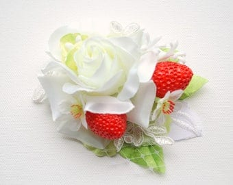 White Rose Red Strawberry Bridal Hair Comb, Bridal Flower Comb, Strawberry Weddings Accessories, White Red Green Bridal Hair Comb, Prop