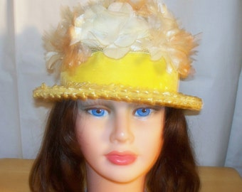 1960s Yellow Floral Hat  - Straw - Peach White Flowers - Velvet Band - Good Condition  - Unmarked