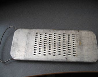 Vintage Rapid Kitchen Hand Grater