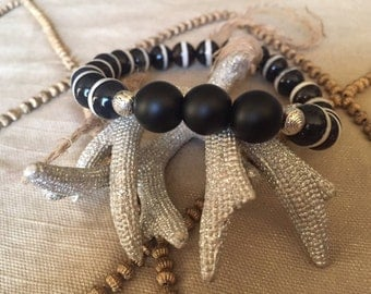 Unisex Onyx/White Stripe Black Fire Agate Beaded Bracelet