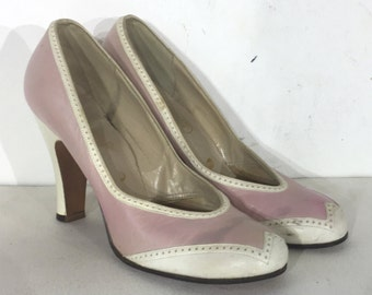 1940s pink and white leather spectator pumps - size 6.5 - 1940s spectator shoe - 1930s spectator shoe - spectator shoes - 1940s pink shoes