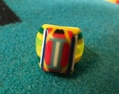 Vintage Celluloid Bakelite Folk Art Prison Ring by Bob Dodd (Size 9-1/4)