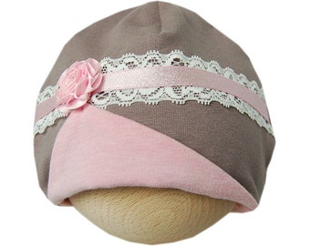 Romantic baby hat with pink flower and lace taupe/pink