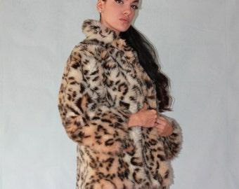 SMALL/MEDIUM, Women's Vintage, 1960s, Faux Fur, LEOPARD print, winter coat