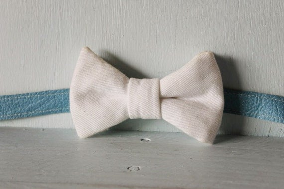 Bow tie unisex >> White denim bow, leather strap, buckle >> Brisbane
