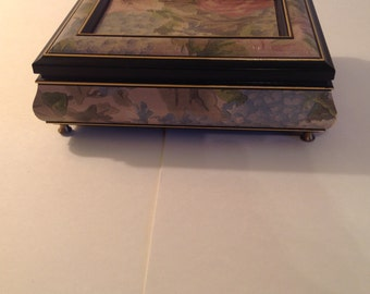 Splendid of New York Music / Jewelry Box with Floral Design