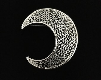 Vintage 1970's Sarah Coventry Silver Tone Crescent Brooch (WhtD2)