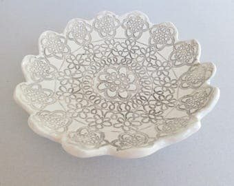 "Ceramic medium bowl, 22cm 9"" lace textured romantic rustic shabby chic earthenware pottery dish, fruit display"