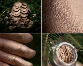 Eyeshadow: Singing for a Deers - Druidess. The gentle golden beige satin eyeshadow by SIGIL inspired.