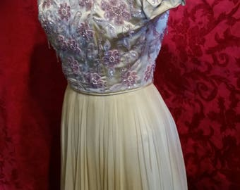 1950's party dress pale yellow w/ pink sequins flowers