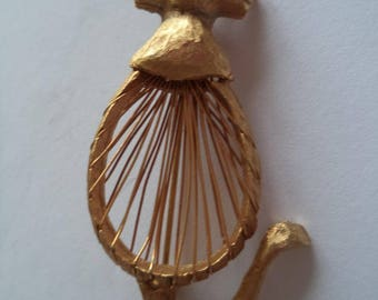 Vintage Unsigned Goldtone Wired Cat Brooch/Pin