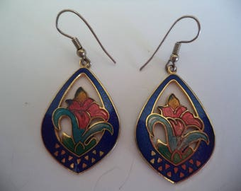 Vintage Unsigned Goldtone/Blue Cloisonne Lily Earrings