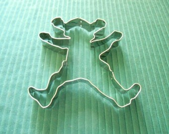 A Stainless Teddy Bear Shaped 5 1/4 inch by 4 3/4 inch NOS Cookie Cutter