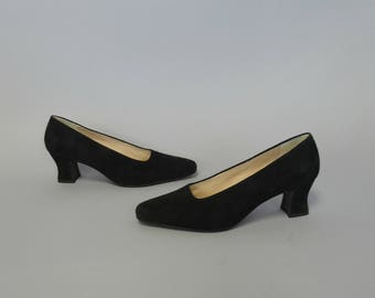 1980s black suede pumps - size 11