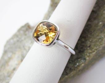 Golden Citrine Ring, 14K Gold Ring, Cushion Cut Gem, Citrine Solitaire Ring, Air Mount© Ring, Gold Stacking Ring, Vintage Ring, Tampico TM.