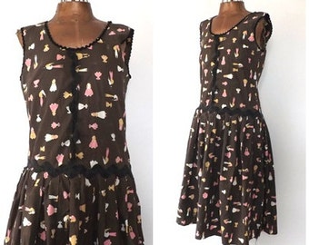 Vintage 1930s Feedsack Dress 30s Novelty Print Cotton House Dress Size Small Day House Sack Dress Country Frock Brown 1940s Drop-waist Dress
