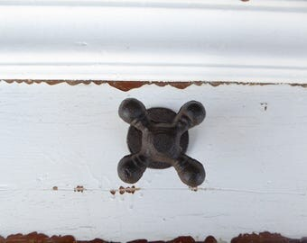 Garden Water Faucet Spigot Wall Hook -  Cast Iron Metal - Kitchen Mudroom - Bath Decor - Garage Shabby Chic - Nature