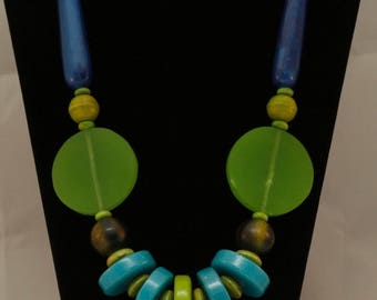 Retro Mod Vintage beads statement necklace