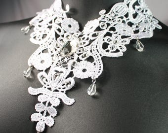 white lace statement necklace