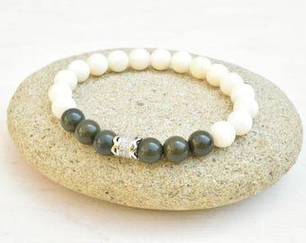 Shell bracelet, Olive green bracelet, Shell jewelry, Zirconia bracelet, Stretch bracelet, Gift for her, Ivory bracelet, Beaded bracelet