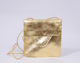 Jil - golden leather purse