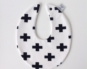 Little black & white crossed bib with press button