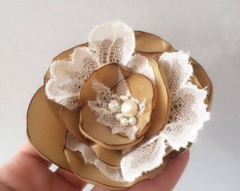 Bridal Comb, Bridal Comb Headpiece, Gold and Ivory, Flower Wedding Comb, Wedding Hair Piece, Bridal Comb