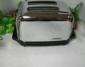 Bread Toaster...Classic Electronic Style Cuisinart Toaster....Vintage...Nice