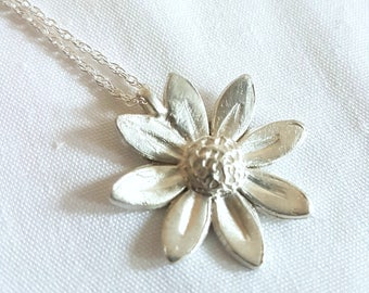 Silver Daisy /fine solid silver flower on sterling silver chain