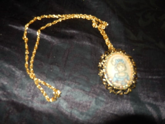 Beautiful Real Egg Shell Necklace!!! Pin!