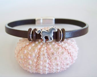 Leather with Galloping Horse Focal Bracelet - Item R6293