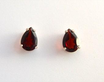 Garnet Stud Earrings - Pear