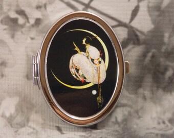 Vogue Compact Mirror - Silver-Tone - Vogue Nov 15, 1917 - Includes 4X5 Silver Sparkling Fabric Bag