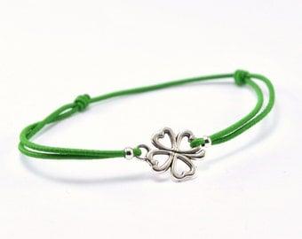 Bracelet green cord clover