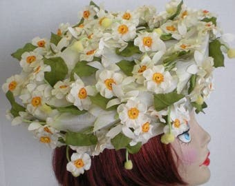 Amazing vintage daffodil-covered beret style hat by Vincent Harmik