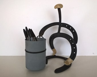 Horseshoe Decor: cowboy pencil holder