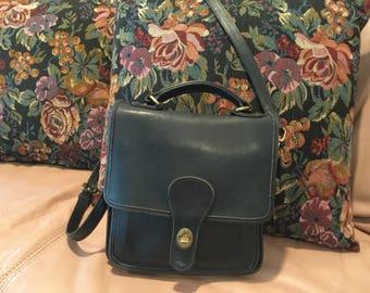 Vintage Coach Station Willis Black Leather Crossbody Handbag 1980's 5130
