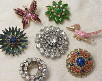 Nice lot of 7 vintage retro glamour Juliana Ultra Austria crystal butterfly road runner rhinestone pin brooch lot